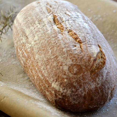 Chléb celožitný ošatkový 700g